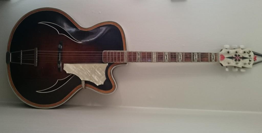 Salbu gitar fra 1959 (1)